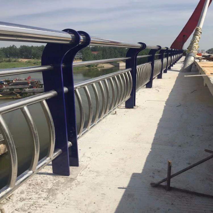 北京不锈钢桥梁防撞护栏