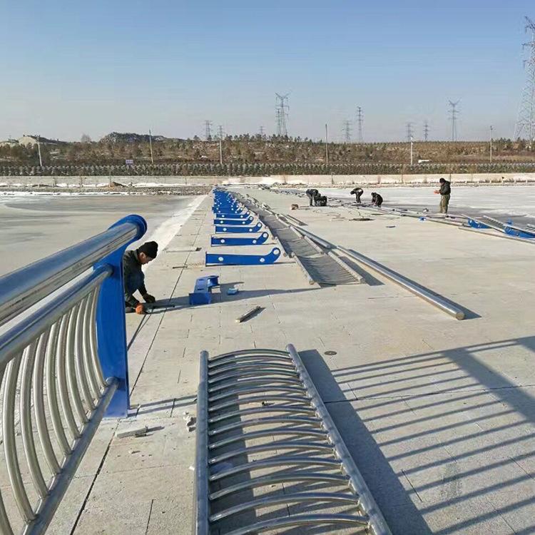 北京拉丝304不锈钢复合管厂家