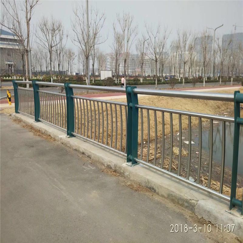 桥梁护栏灯北京支架支撑