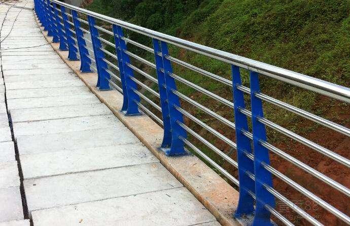 北京复合护栏立柱加工厂家生产厂家