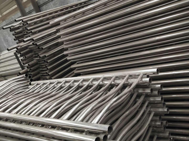 辽宁省朝阳成都生产不锈钢栏杆的厂家厂家