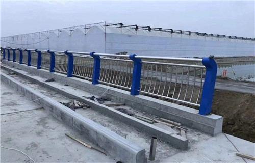 北京201不锈钢复合管护栏今日价格