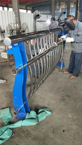 北京不锈钢复合管立柱优点