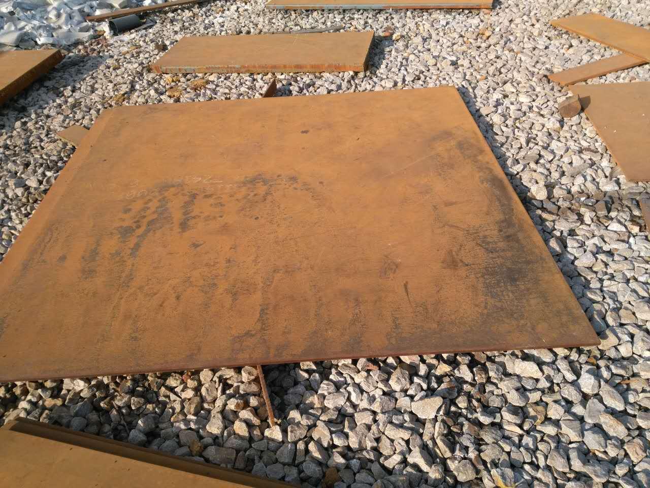 朝阳新钢耐磨NM500钢板切割现货