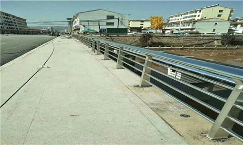 红河复合管桥梁护栏工艺精细