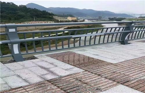 湖南省常德不锈钢天桥防护栏杆专业供应厂家
