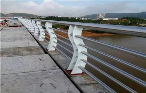 白银不锈钢复合管道路护栏质量保障