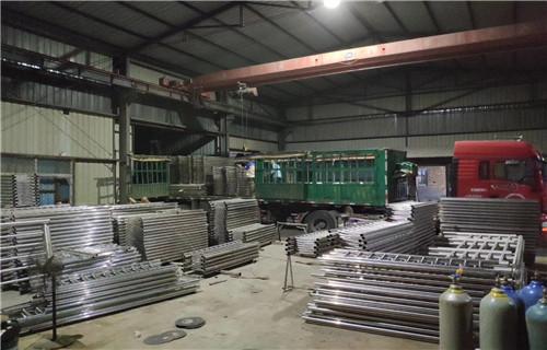 湖南省岳阳钢质环形天桥护栏高端品质