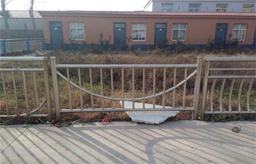 北京304不锈钢立柱样式新颖