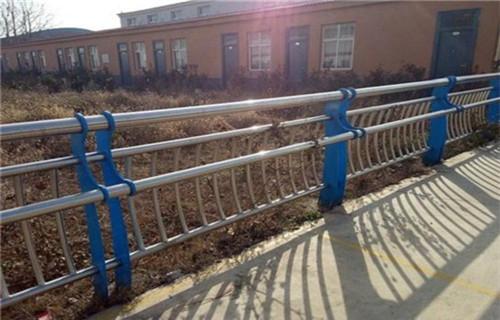 北京防撞护栏立柱价格多少