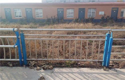 北京防撞护栏立柱专卖