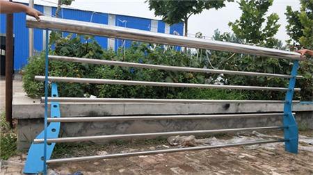 北京防撞桥梁道路灯光护栏施工方案