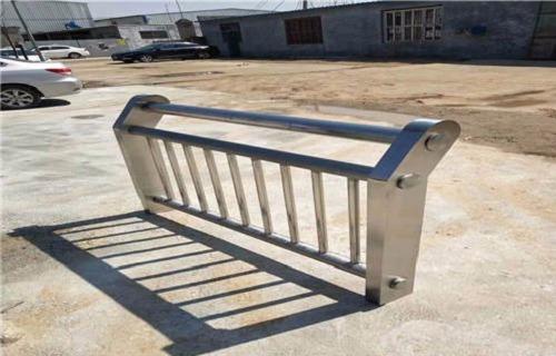 2020青岛不锈钢护栏安装交货快
