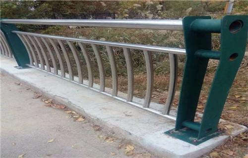 北京碳素钢喷塑防撞护栏厂家