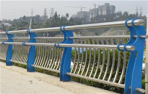 北京双金属桥梁护栏价格合理