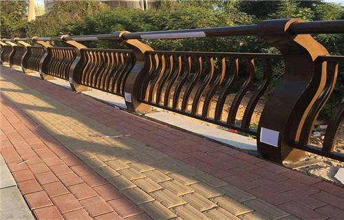 北京Q235钢板立柱镀锌喷塑价格合理