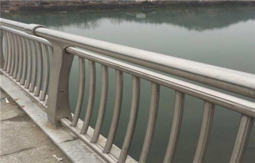 北京不锈钢河道护栏规格齐全