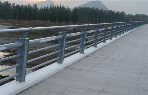 北京桥梁Q235钢板立柱规格齐全