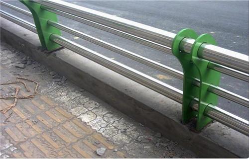 乌鲁木齐不锈钢防撞栏杆咨询热线