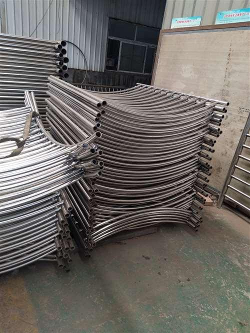 朝阳不锈钢碳素钢复合管栏杆全国免费送