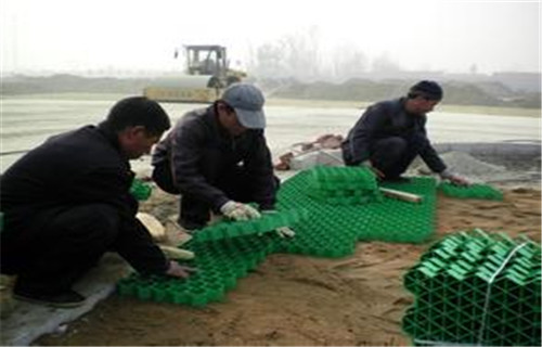 青海海北开孔植草格怎么施工?